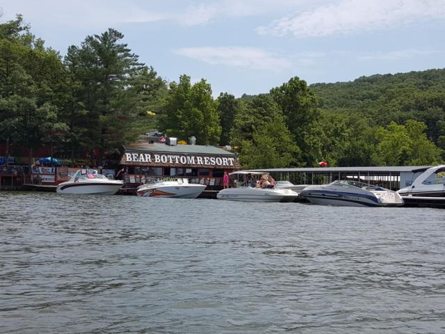 Bear Bottom Resort - Restaurant and Bar